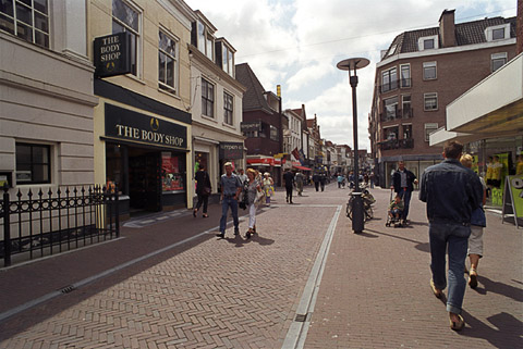 Amersfoort, storm drains: A small-scale solution for a narrow street